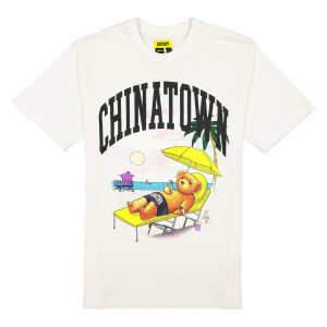 Chinatown Market Smiley Beach Bear Tee ( 1990270 / 1201 / White )