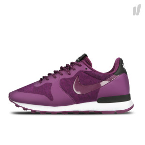 Nike Wmns Internationalist ( 749556 500 )